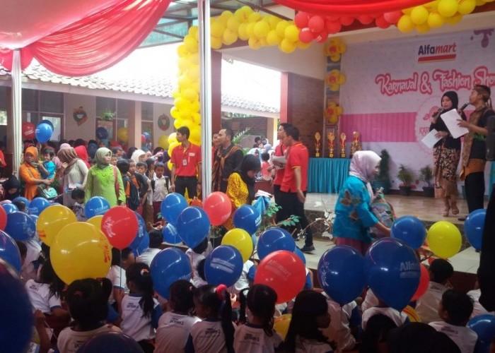 9.233 Anak memeriahkan Kartini Day bersama Alfamart