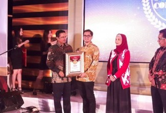 Alfamart meraih Indonesia Most Powerful Companies Awards kategori Retail Trade